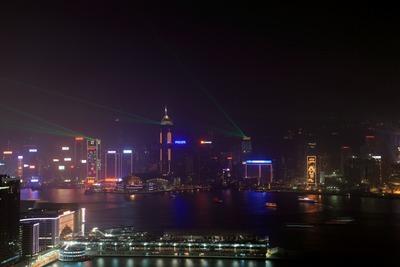 香港の凱旋門(The Arch)から見たシンフォニー・ オブ・ライツ