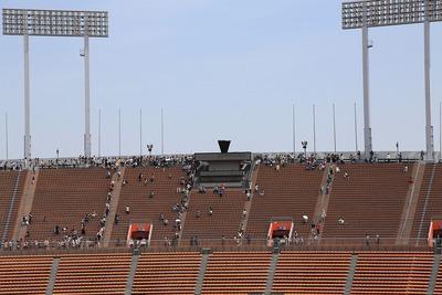 メインスタンドから見た国立競技場の聖火台