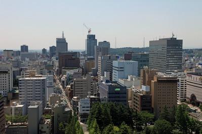 宮城県庁から仙台トラストシティ方面