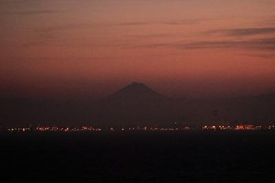 海ほたるから見た富士山夕景