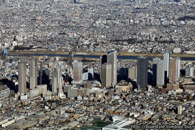 武蔵小杉のタワーマンション群の空撮