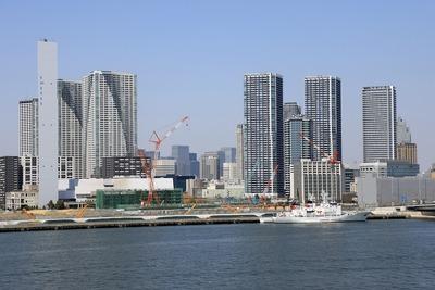 豊洲市場 屋上緑化広場から見た勝どき・晴海