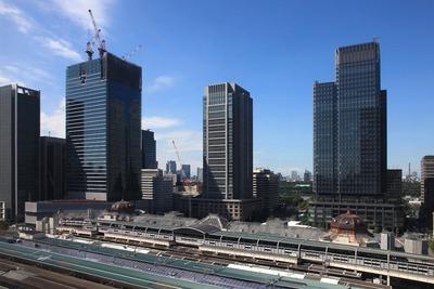 大丸東京から見た丸の内の超高層ビル群
