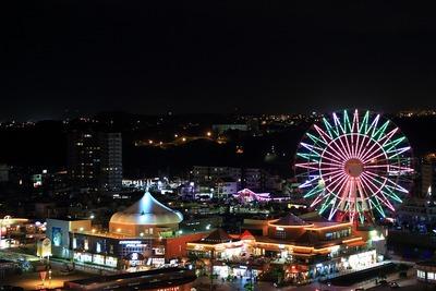 ザ・ビーチタワー沖縄から見た北谷アメリカンビレッジの夜景