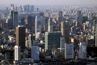 竹芝から虎ノ門・赤坂の超高層ビル群の空撮