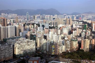凱旋門から香港のタワーマンション群