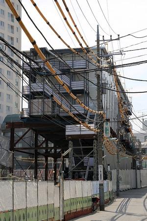 六本木三丁目東地区第一種市街地再開発事業のプレハブ事務所
