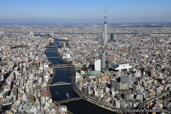 アパホテル&リゾート〈両国駅タワー〉の空撮