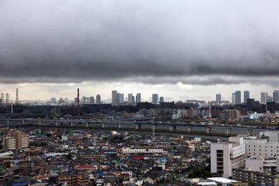 雲が低い東京