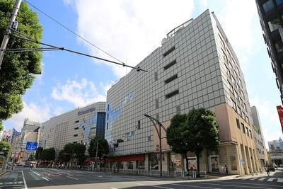 松坂屋上野店南館と松坂屋上野店本館