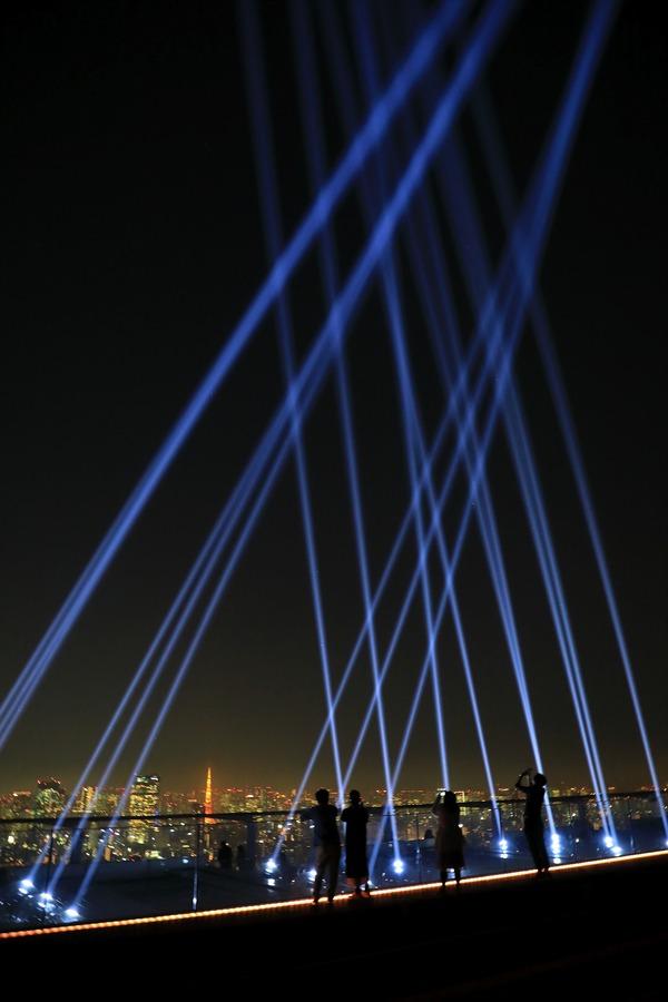 渋谷スカイのサーチライトの演出