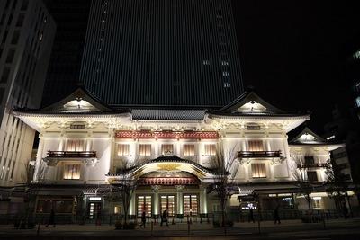歌舞伎座のライトアップ