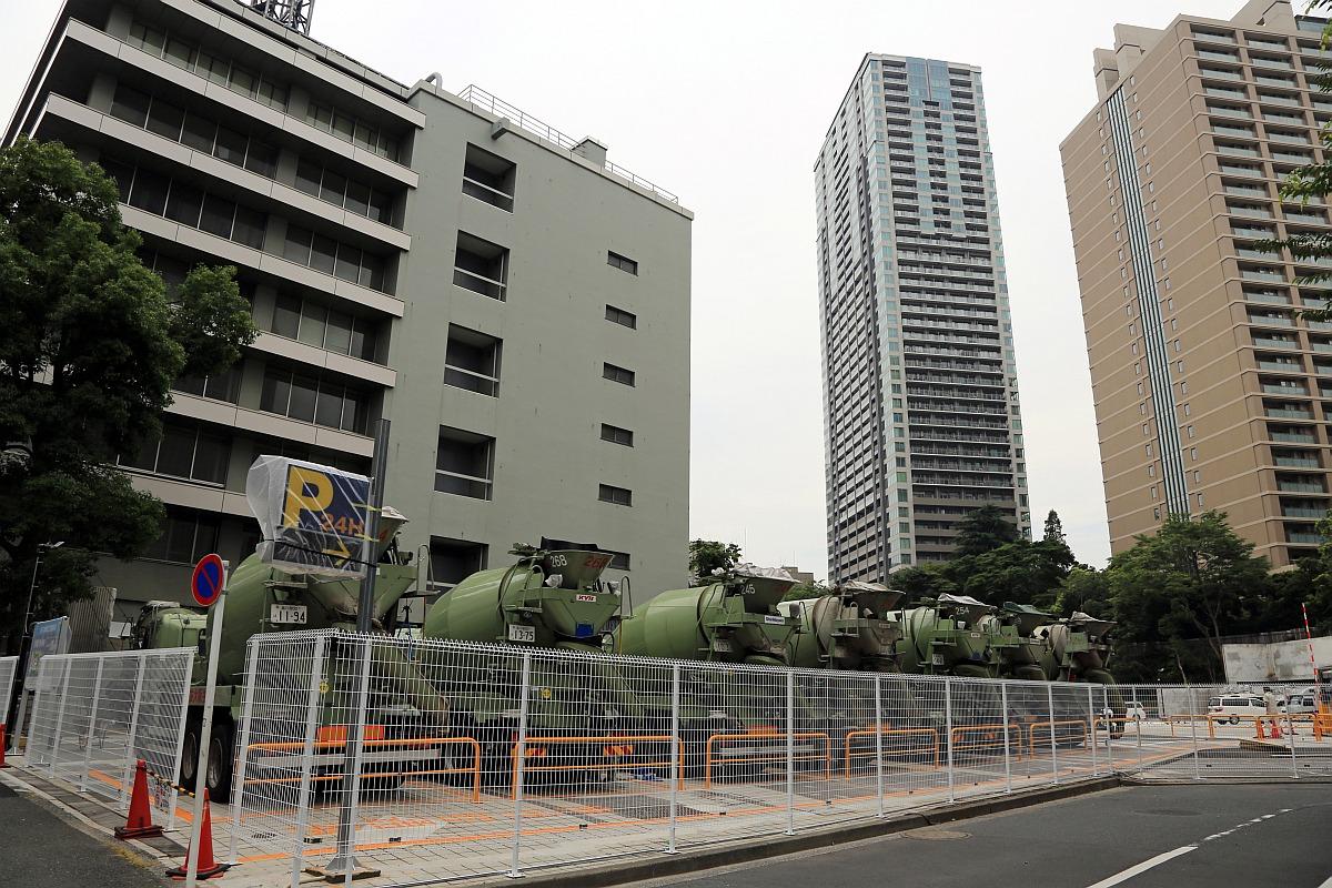 赤坂ツインタワーの跡地は駐車場...