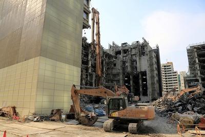 日本政策投資銀行本店ビル(DBJビル)の解体工事