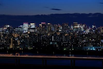 トワイライトタイムの東京駅方面の夜景