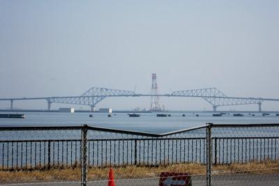 東京マラソンのゴール地点から見た東京ゲートブリッジ