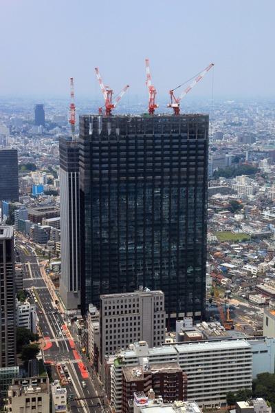 新宿野村ビルの50階から西新宿八丁目成子地区と北新宿地区の再開発