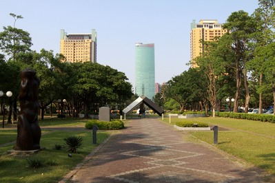世華國際大樓