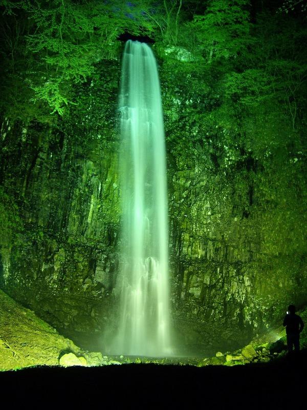 玉簾の滝夜