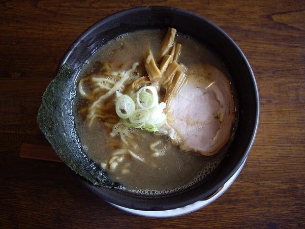 拉麺二段男煮干しラーメン