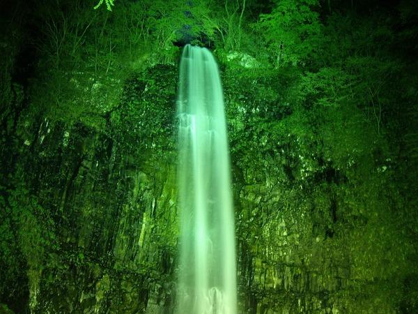 玉簾の滝夜上
