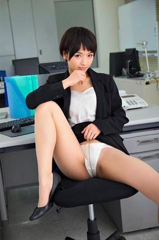 【最新作】【VR】「社長、好きにしてください…」社内のマドンナ的美人秘書が息をはぁはぁさせながらパンスト破りやアナルを見せながらのおもちゃ攻め唾液を垂らしながらド淫乱変態セックス!最後は密着正常位で生中出し!向井藍【リアル映像】