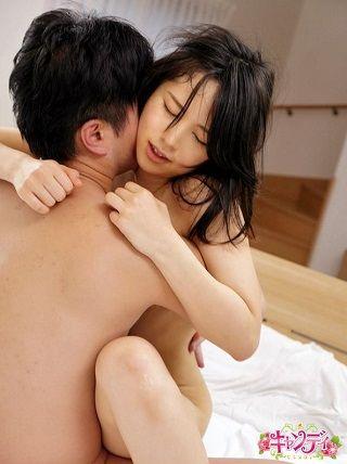【独占】透明感のある良家のお嬢様がAVデビュー SEXしてみたら超敏感でキスが大好き。愛液をたらしまくるエロ女だった 堀江真希