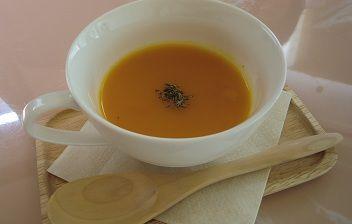 にんじんとりんごCOBOの冷たいスープ