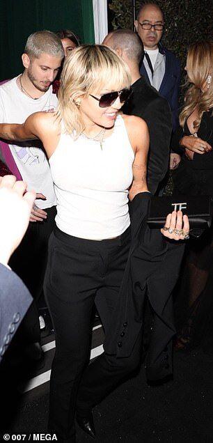 【鉢合わせは気まずい…!?】マイリー・サイラスとリアム・ヘムズワースがプレ・オスカー・パーティにお出かけ!Miley Cyrus and Liam Hemsworth at the WME Pre-Oscars party
