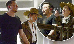 【ほろ酔いでテンション高め…!?】アンバー・ハードとイーロン・マスクが手つなぎディナーデート!Amber Heard and Elon Musk hold hands on dinnerインスタ