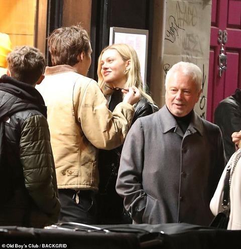 【祖父母にも紹介済み…!?】ブルックリン・ベッカムが恋人のニコラ・ペルツとコンサートにお出かけ!Brooklyn Beckham introduces Nicola Peltz to his grandparents