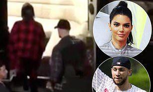 【やっぱり復縁…!?】ケンダル・ジェンナーが元恋人とフィラデルフィアでお出かけ!Kendall Jenner spotted together with Ben Simmons