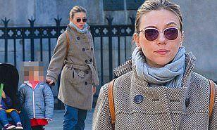 【娘は元夫にそっくり…!?】スカーレット・ヨハンソンが娘のローズとお出かけ!Scarlett Johansson steps out for a walk with daughter in NYC