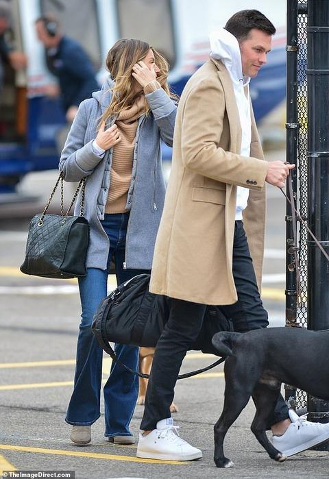 【旦那がイケメン…!?】ジゼルが夫のトム・ブレイディとヘリコプターでお出かけ!Gisele Bundchen and husband Tom Brady arrive in New York