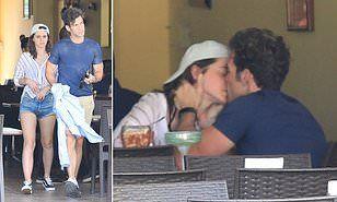 【男が途切れることがない肉食系…!?】エマ・ワトソンが新恋人のイケメン実業家とメキシコバケーションでキス!Emma Watson shares a kiss with Brendan Wallace