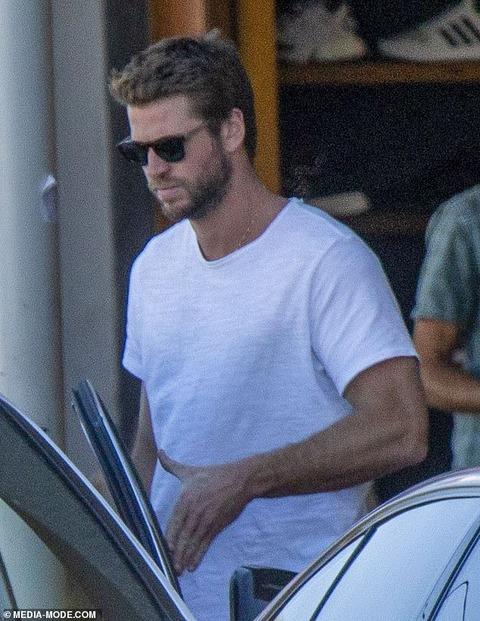 【マイリーの奇行に三行半…!?】リアム・ヘムズワースがマイリー・サイラスとの離婚を申請!Liam Hemsworth files for divorce from Miley Cyrus
