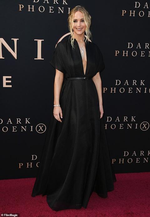 【ブラレスで美胸をアピール…!?】ジェニファー・ローレンスが「X-MEN: ダーク・フェニックス」のプレミアに登場! Jennifer Lawrence at Dark Phoenix premiere after-party