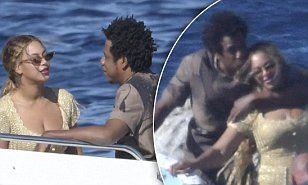 【第四子妊娠!?てくらいパンパン…!?】ビヨンセと夫ジェイZがサルディーニャ島で大はしゃぎでキス!Beyonce and Jay-Z enjoy a boat trip in Sardinia