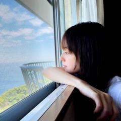 佐々木希、横顔写真を公開でファン惚れ惚れ「横顔が国宝」