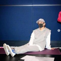 浜崎あゆみ、リハで緊迫した姿にネット失笑「自分に酔ってるだけ」