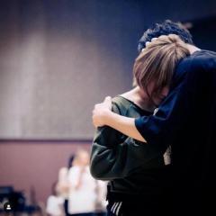 浜崎あゆみ、男性との抱擁写真に批判殺到「子どもいるのに理解不能」
