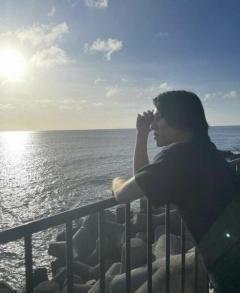 山下智久、海での自撮り連投に絶賛の声「夏男山Pカッコよすぎる」
