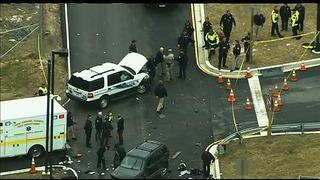 【速報】 女装した男2人が米NSA本部を襲撃 車で門の突破を試みる