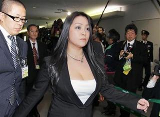 【芸能】 小向美奈子、3度目逮捕でAV過激化!? 実刑免れず2年は収監で引退必至 出所して31歳