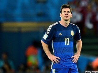 【サッカー】メッシは85億円!!仏誌が選手・監督の年収ランキング公表
