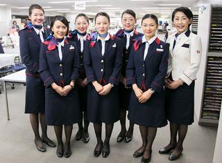 【画像】JALの機内で倒れたら、CAがこんな感じでお前らを救命介護してくれるらしい