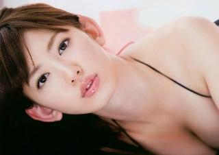 【芸能】小嶋陽菜、水着&下着姿のSEXY動画に反響「エロカワ」「女神」