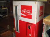 コカコーラ販売機01