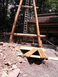 御柱を建てる穴