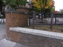 横浜公園門柱